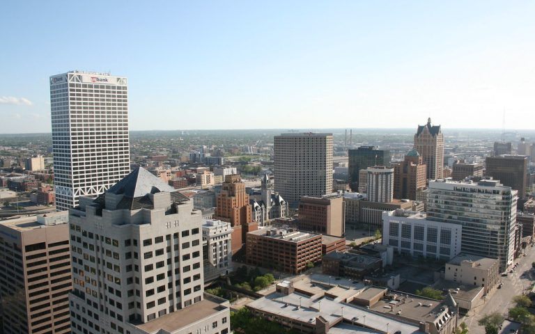 best movers in milwaukee wi, movers in southeast wisconsin, moving company milwaukee